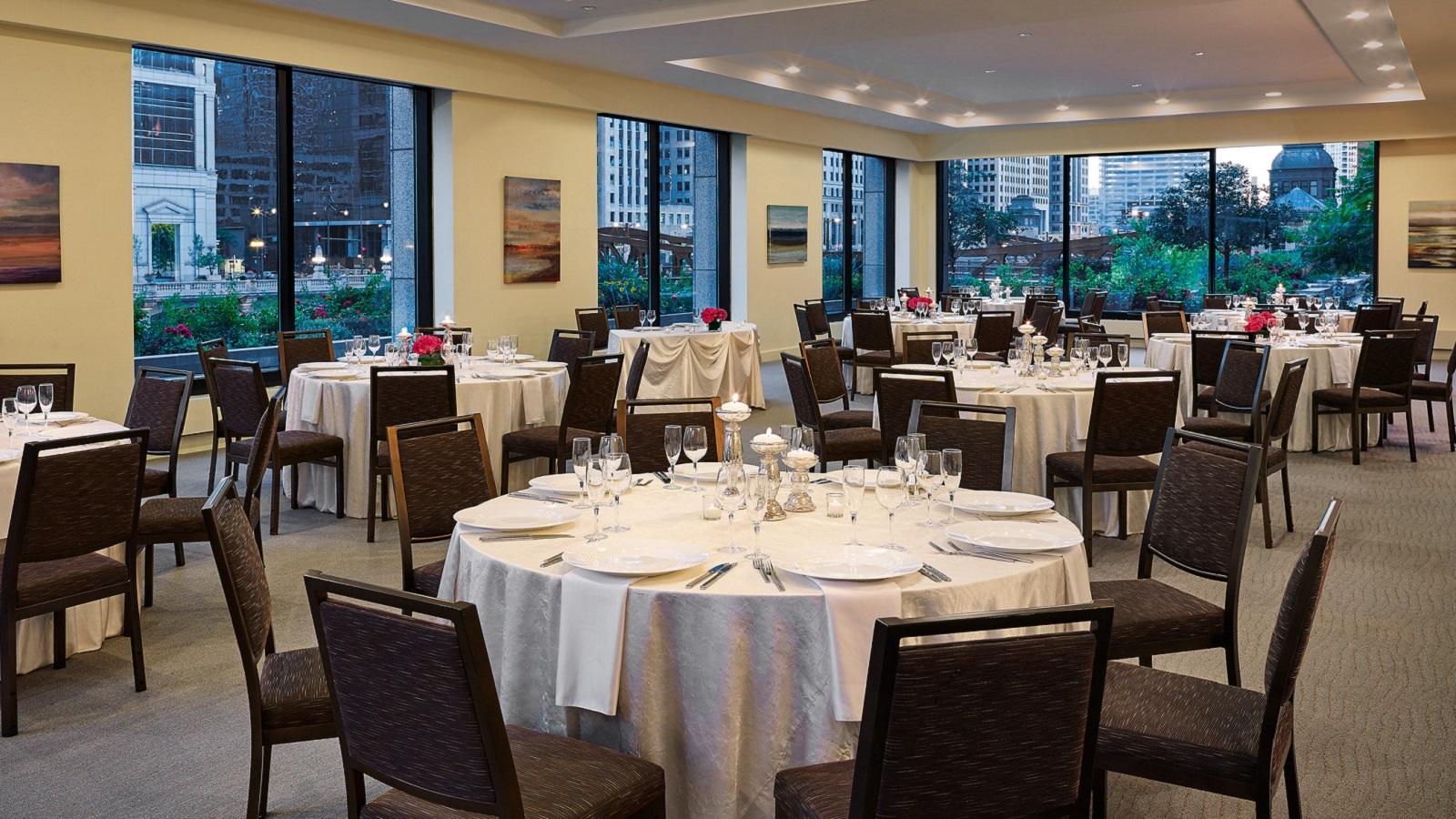 Riverfront Room Is A Chicago Wedding Venue
